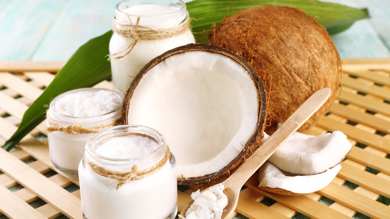 30 Uses Of Coconut Oil On Hair And Not Only